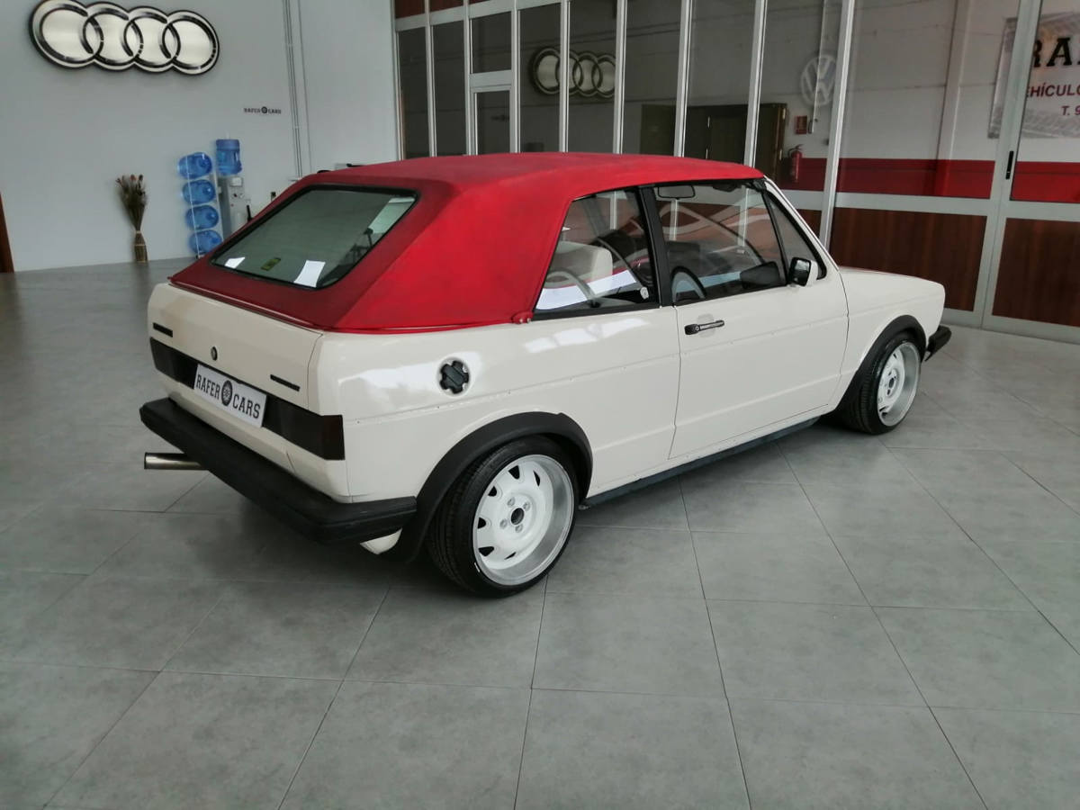 VOLKSWAGEN_GOLF_10