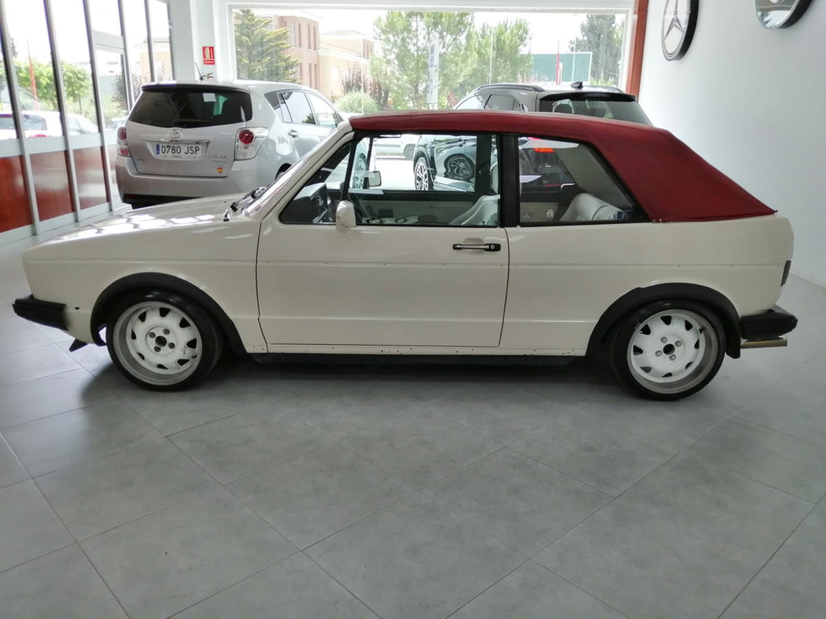 VOLKSWAGEN_GOLF_6