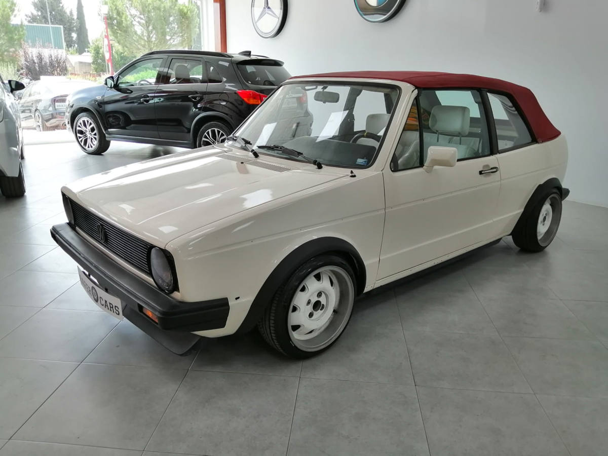 VOLKSWAGEN_GOLF_8